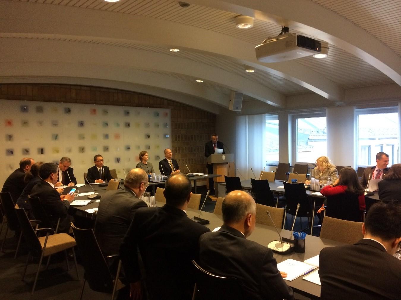 """Reunión Informativa para el cuerpo diplomático sobre la iniciativa """"UN70: A New Agenda"""""""